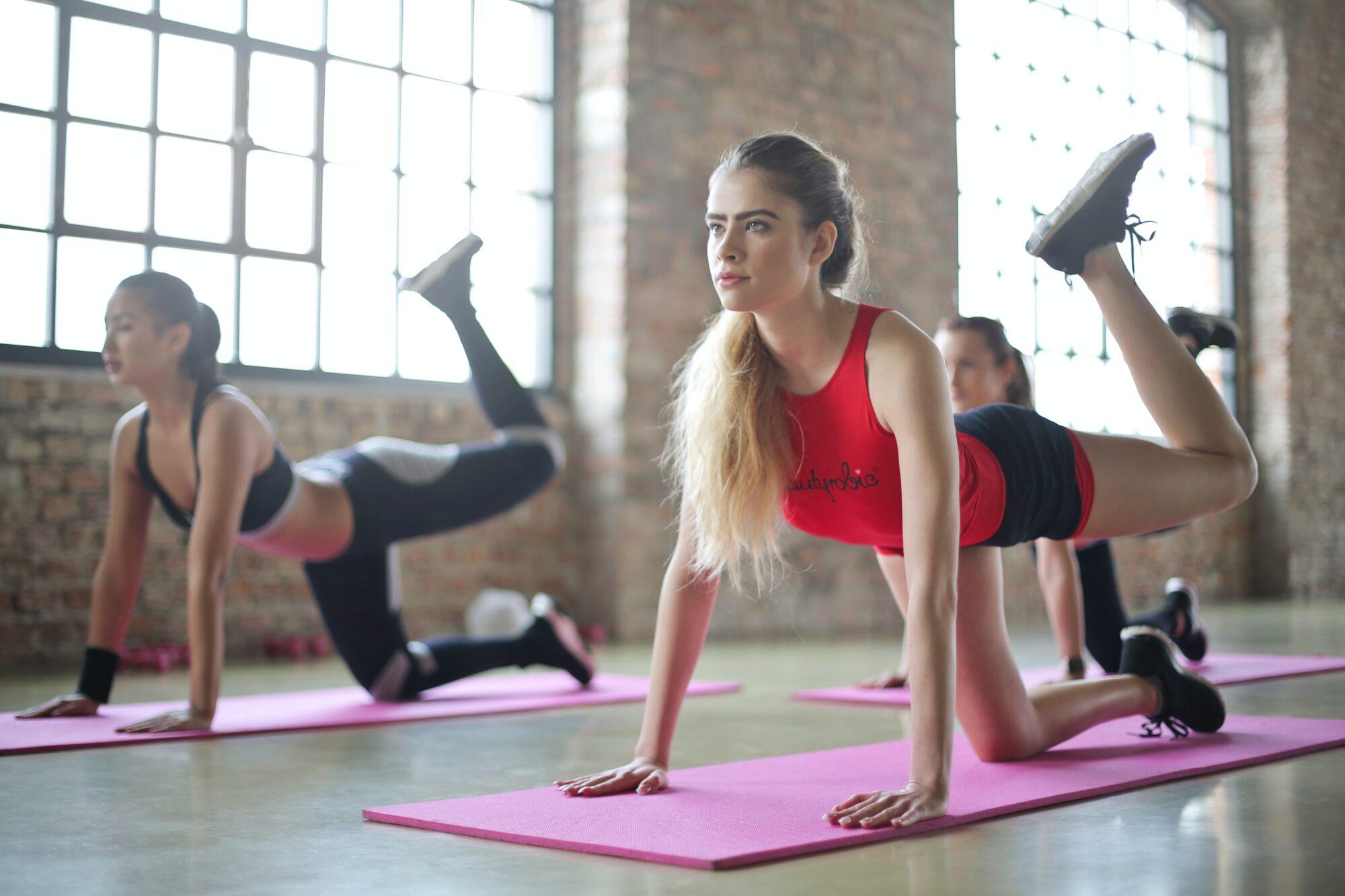 Guide: Sådan vælger du en god men billig yogamåtte